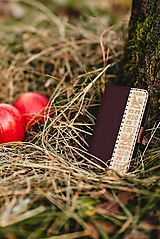 Na mobil - Knižkové puzdro na telefón Čičmany - bordové - 11316717_