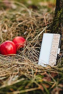 Na mobil - Knižkové puzdro na telefón Čičmany - biele - 11316682_