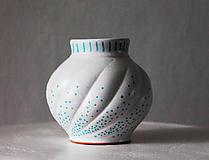 Dekorácie - Vázička - Modré bodky - 11317657_