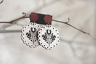 Náušnice - Tulipánky okrúhle biele (Červený krúžok) - 11318179_