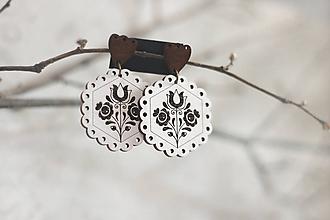 Náušnice - Tulipánky okrúhle biele (Hnedá slzička) - 11318182_
