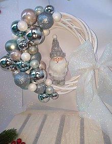 Dekorácie - Prútený vianočný veniec na dvere _ DEDO MRÁZ - 11318793_