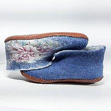 Obuv - Plstené papuče s ružami - 11316900_