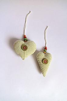 Dekorácie - Vianočná ozdoba | Srdiečko | na zavesenie | Zelená | svetlá | farebné korálky - 11324230_