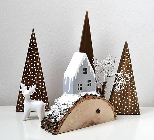 Zimná dekorácia-Na kopčeku domček,pri domčeku stromček...