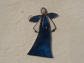 Dekorácie - Vitrážový anjelik s ruženínom (Tmavomodrý) - 11321854_