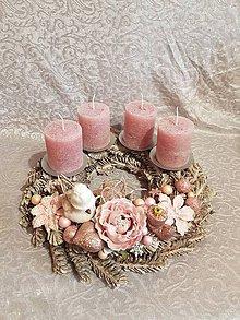 """Dekorácie - adventný veniec ružový so """"zamrznutými sviečkami"""" 32 cm - 11323093_"""
