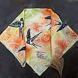 Šatky - Na obzore- hodvábna maľovaná šatka s lastovičkami - 11322551_