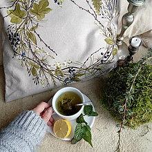 Úžitkový textil - Vankúš s vencom bobuľovín - 11322830_
