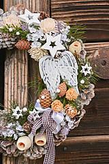 Dekorácie - Vianočný veniec s anjelskými krídlami - 11321125_