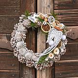 Dekorácie - Vianočný veniec s anjelskými krídlami - 11322284_