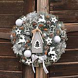 Vianočný veniec s domčekom