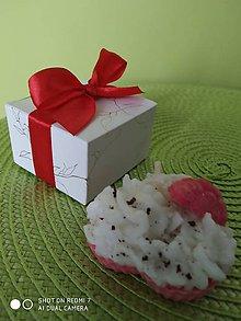 Svietidlá a sviečky - Vianočný darček - sviečka - 11323337_