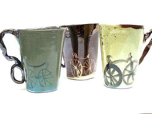 šálka XXL zo vzorom s bicyklom