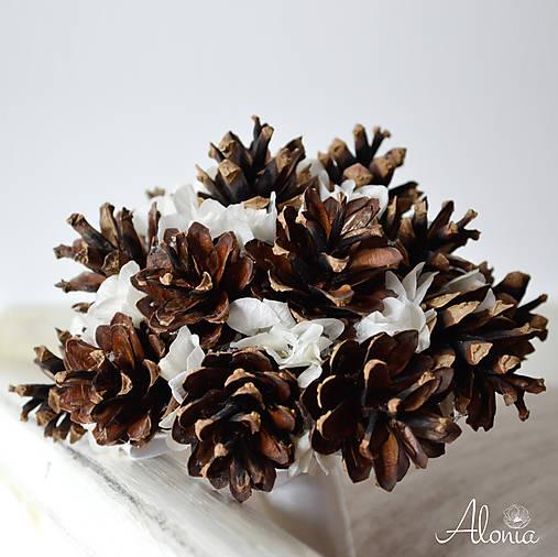Netradičná zimná svadobná kytica