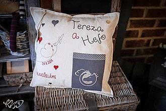 """Úžitkový textil - Vankúšik pre mladomanželov """"Tereza a Hefo"""" - 11328090_"""