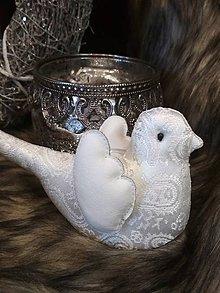 Dekorácie - Vtáčik brokát biely - 11325302_