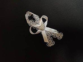 Pierka - Biele čipkované pierko pre svadobčanov - 11327253_