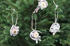 Dekorácie - Ozdoby na stromček - 11330033_