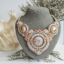 Náhrdelníky - Royal Dragonfly Necklace- sutaškový náhrdelník - 11332618_
