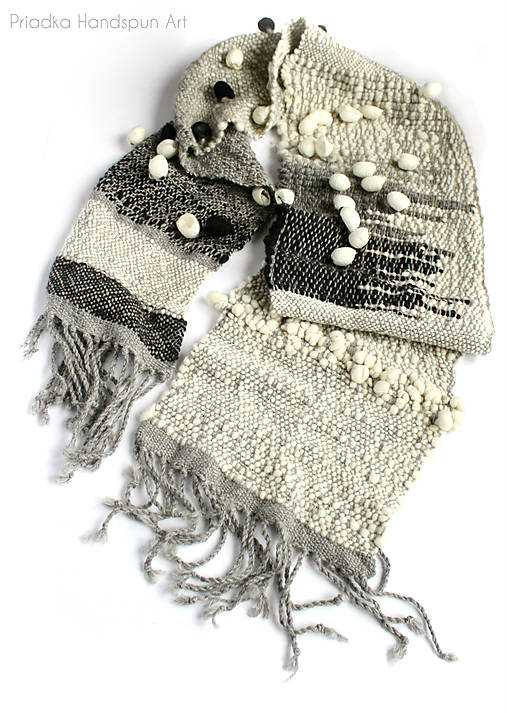 TO THE MOON AND BACK - Ručne tkaný šál z ručne pradenej merino vlny