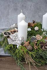 Dekorácie - Adventný veniec zo živej čečiny - 11331959_