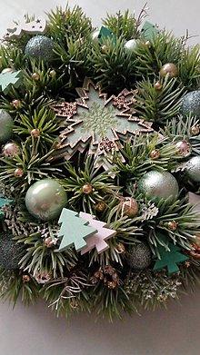 Dekorácie - Vianocny veniec Snehová vločka - 11330775_