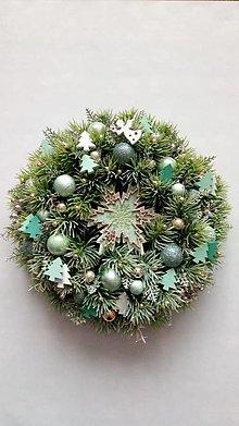 Dekorácie - Vianocny veniec Snehová vločka - 11330780_