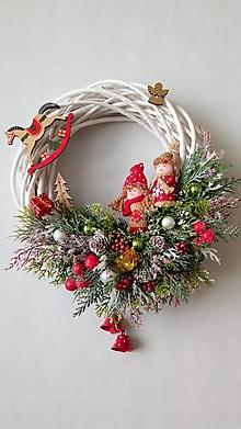 Dekorácie - Vianocny rozpravkovy veniec - 11330923_