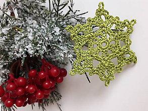 Dekorácie - Vianočná ozdoba - Farebné vločky (Zelená) - 11336419_