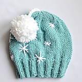 Detské čiapky - ZASNEŽENÁ čiapka s HOP-HOP brmbolcom - 11335648_