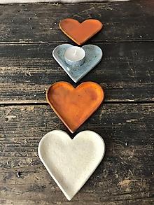 Nádoby - Svietnik v tvare srdca - 11336874_