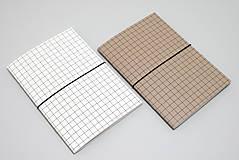 - Mesačný diár 2020 (minimalista) A5 POSLEDNÉ KUSY (hnedá obálka s mriežkou) - 11335167_