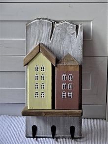 Nábytok - Vešiak s domčekami - 11340852_