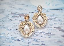 Náušnice - smotanovo perleťové náušničky - 11341474_
