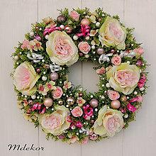 Dekorácie - Vianočný veniec v ružovom - 11339095_