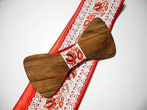 Doplnky - Pánsky drevený motýlik folk červený - 11339915_