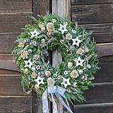 Dekorácie - Prírodný vianočný veniec na dvere - 11342865_