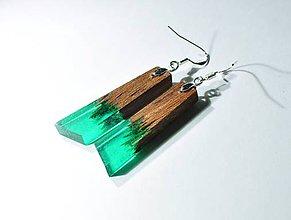 Náušnice - Drevené náušnice zelenkave - 11347231_
