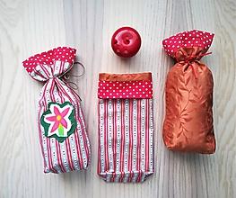 Iné tašky - Darčekové vrecúško - Mikulášske (Vianočná ruža) - 11345581_