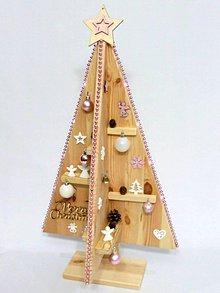 Dekorácie - KALYPSO - drevený vianočný stromček - 11345972_