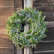 Dekorácie - Prírodný vianočný veniec na dvere - 11347630_