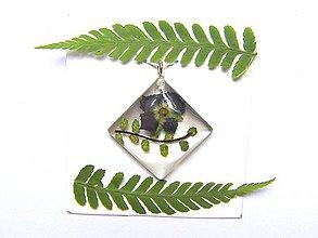 Iné šperky - Prívesok zo živice - 11351096_
