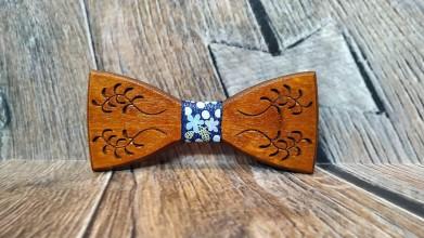 Doplnky - Pánsky drevený motýlik FOLK MELODY DARK - 11348047_