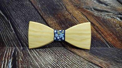 Doplnky - Pánsky drevený motýlik BORA - 11348228_