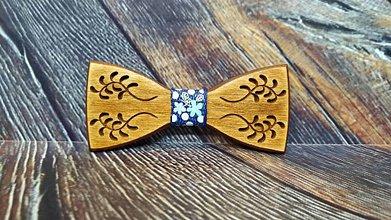 Doplnky - Pánsky drevený motýlik FOLK MELODY - 11348241_