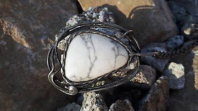 Náhrdelníky - Kĺúč od Samoty - Magnezit, prívesok - 11354821_