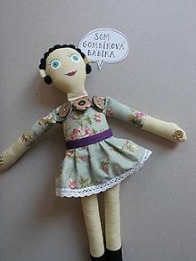 Hračky - Gombíková bábika Emilka - 11353294_
