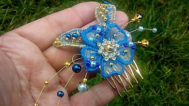 Ozdoby do vlasov - modrý hrebienok + zlatá - 11352631_