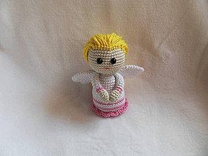 Dekorácie - Háčkovaný anjelik - bielo - ružový - 11352061_